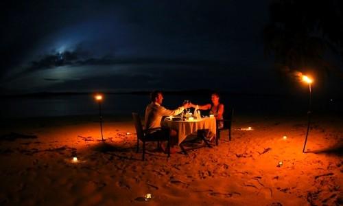 rlz, beach dining, Indonesian resort, honeymoon location Indonesia
