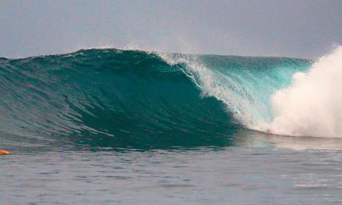 Resort Latitude Zero_Surfing