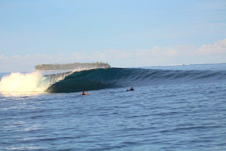 latitude zero, resort, Telo Islands, surfing, Sumatra, Indonesia, swell report, waves