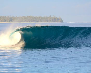 latitude zero, resort, Telo Islands, surfing, Sumatra, Indonesia, swell report, waves