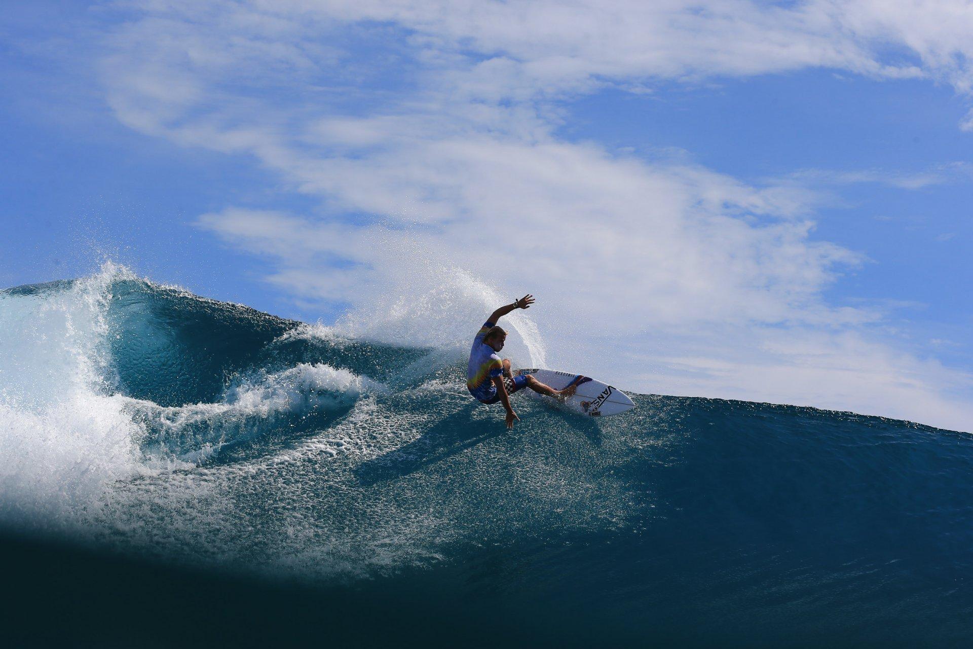 Tanner Gudauskas, resort latitude zero, surfing, mangalui, Telo Islands, Vans, Indonesia