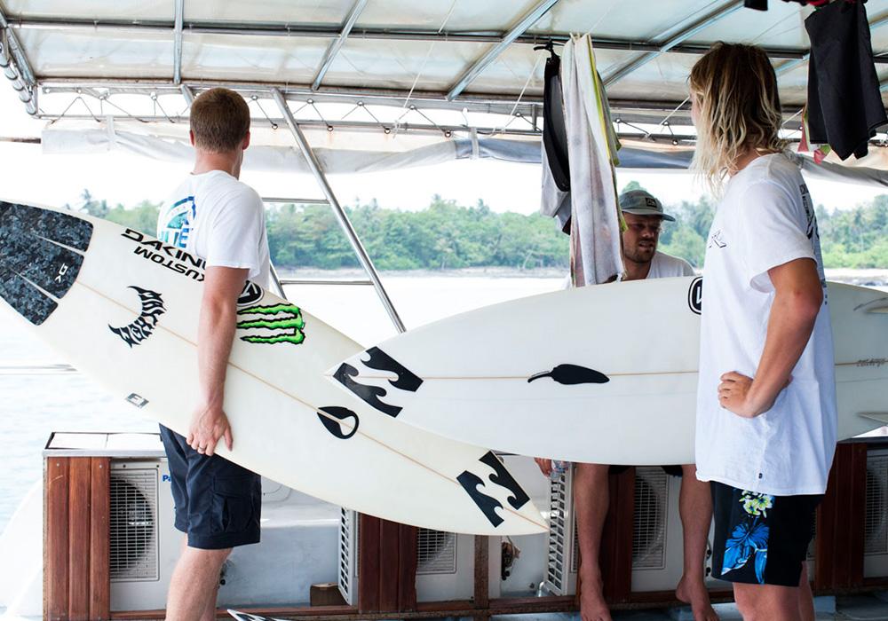 Andy Irons, surfing, resort latitude zero, Indonesia