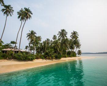 bungalow, resort latitude zero, surfing, Sumatra, Indonesia