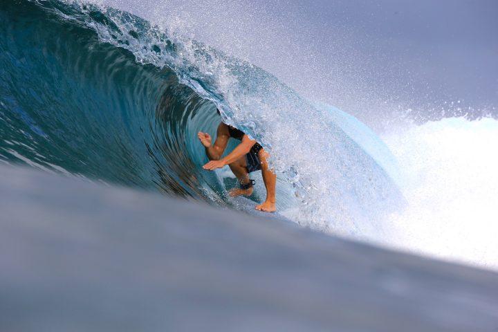 resort latitude zero, tracks magazine, Swilly Williams, photography, report, forecast, waves, ocean, equator, Telo Islands