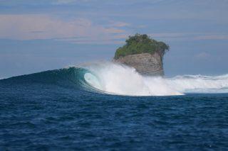 resort latitude zero, surfing, Indonesia, Sumatra, Telo Islands, tropical, waves, fun, report