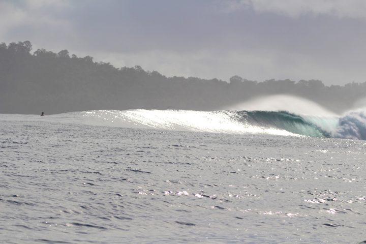 resort, surfing, Indonesia, Telo Islands, Sumatra, surf report, equator