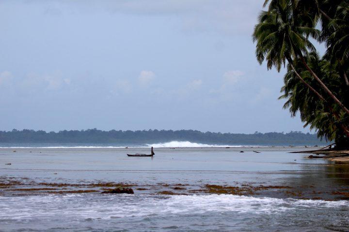 resort latitude zero, surfing, Indonesia, Sumatra, holiday
