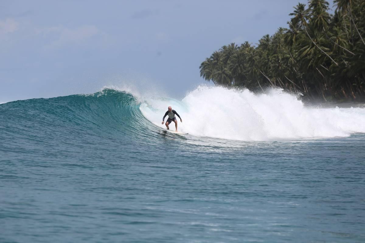 surf resort telo sumatra resort latitude zero