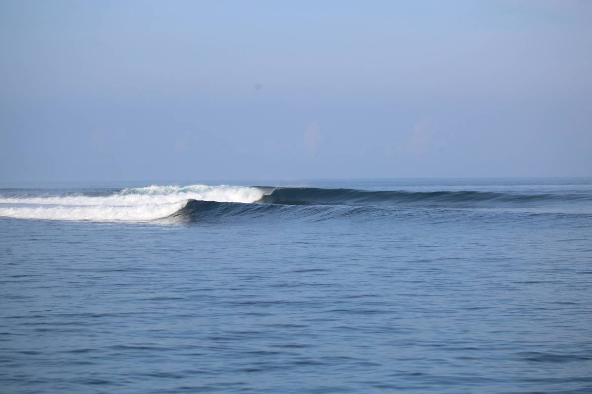 Resort Latitude Zero Surf Resort - Surf Report for May 6th 2021