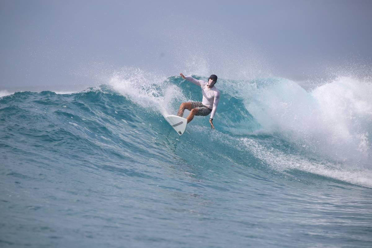 Resort Latitude Zero Surf Resort - Surf Report - What Weekend!