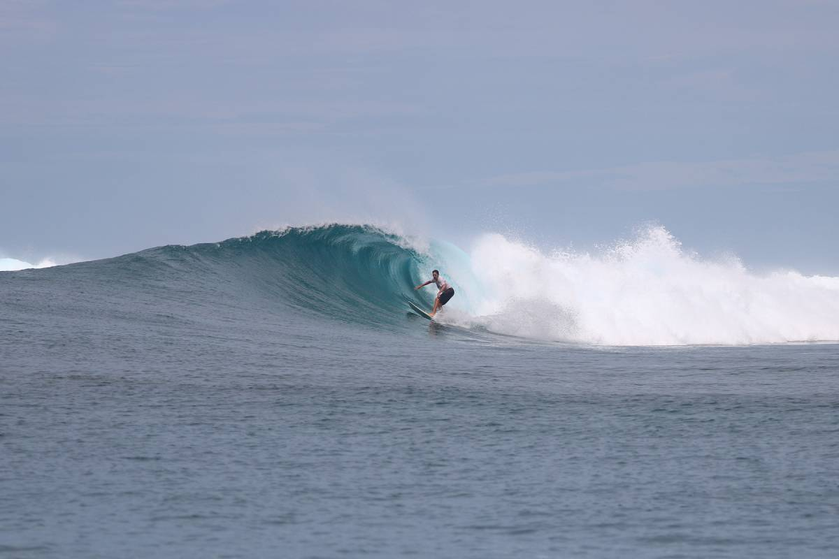 Resort Latitude Zero Surf Resort - Surf Report - Its About the Rights this Week